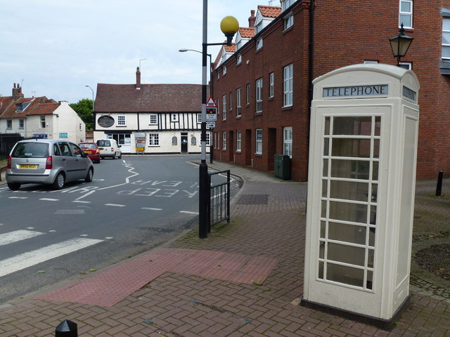 Cream telephone box near Beverley Minster