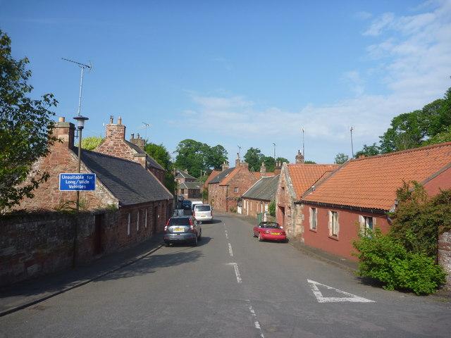 Rural East Lothian : Main Street,... © Richard West :: Geograph ...