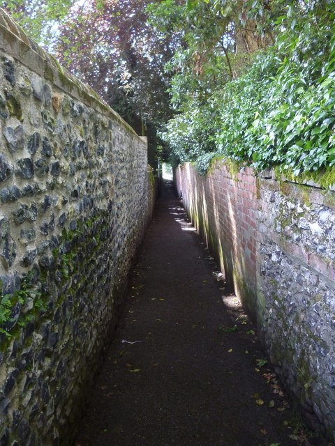Lane leading from Silk Mill to recreation ground