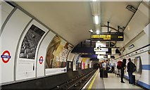 TQ2880 : Piccadilly Line, Green Park Underground Station by N Chadwick