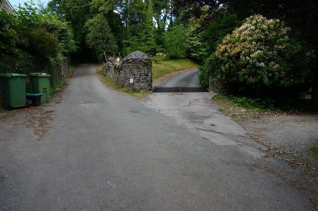 Entrance to Hannaford Manor