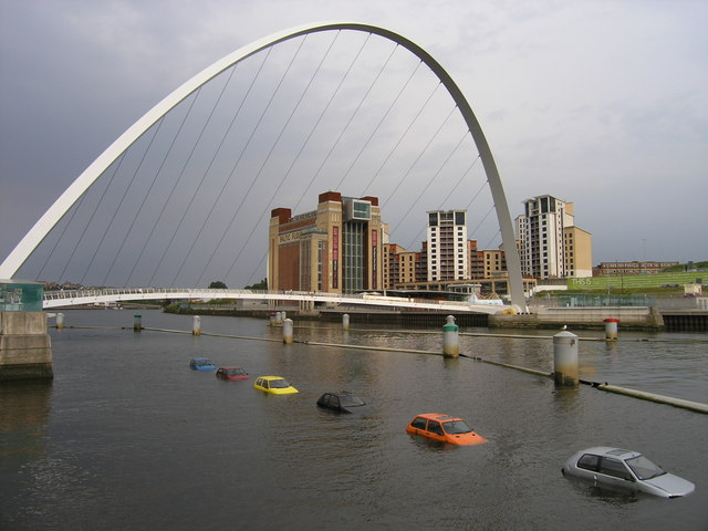Cars in the River Tyne in 2006