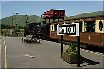 SH5752 : Waiting at Rhyd Ddu by Peter Trimming