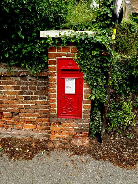 Cavendish Station Edward VII Postbox