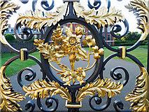 TQ2579 : Detail in the main gates to Kensington Palace by Julian Paren