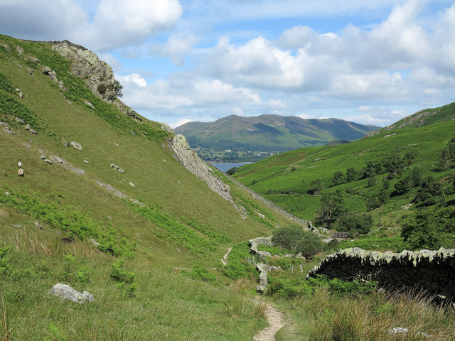 Wall and path below Rannerdale Knotts
