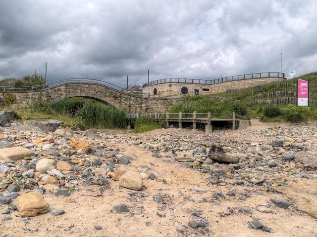 Whitley Sands, Bridge over Briardene Burn