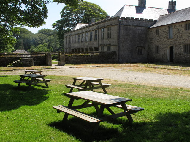 Picnic tables at Godolphin House