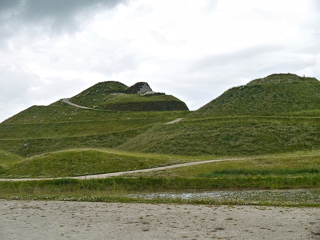 Northumberlandia, Head and Right Breast