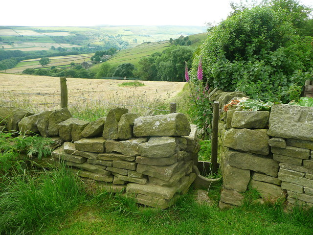 Stile at the top of Halifax FP145