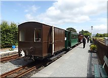 SH5639 : The 14.00 hours train from Porthmadog by Richard Hoare
