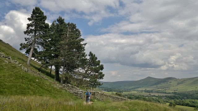 Pennine Way below Broadlee-Bank Tor
