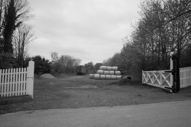 Old level crossing gates at Longhope