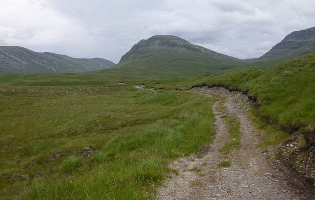 Track towards Bearneas