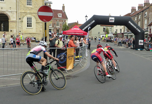Cycling event competitors