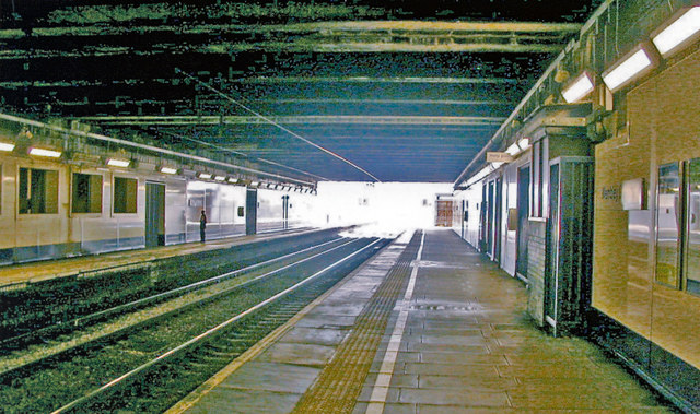 Wembley Central Station: platforms in the 'basement'