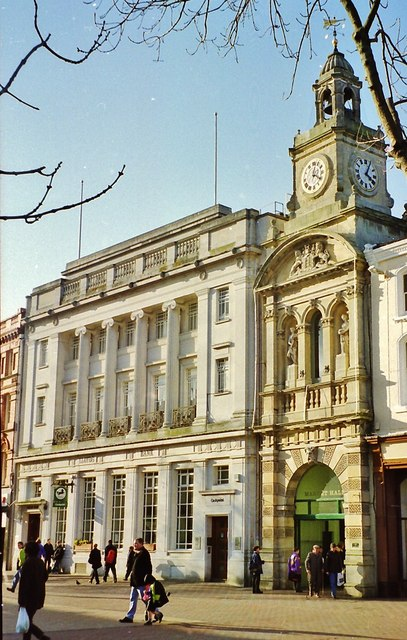 Lloyds bank, High Town, Hereford © Flying Stag cc-by-sa/2 0