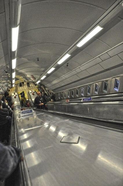 London : Westminster - Victoria Underground Station
