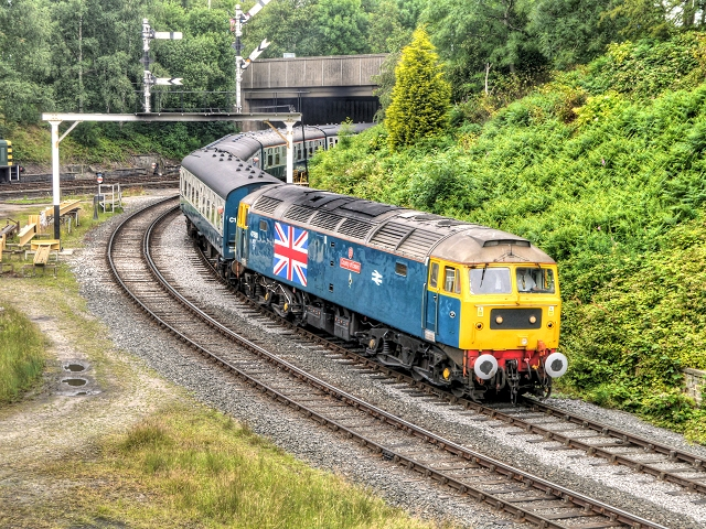 """47580 """"County of Essex"""" at Bury South"""