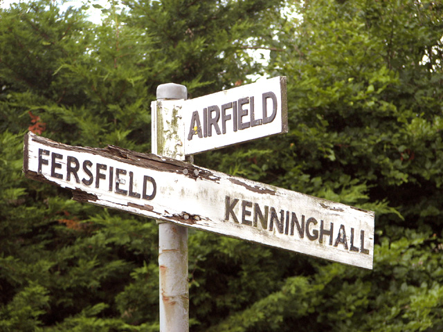 Old direction signs at Fersfield Common