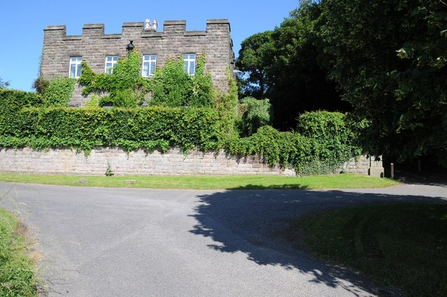 Building beside entrance to Riber Castle