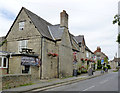 SP5214 : The Red Lion, Islip by Alan Murray-Rust