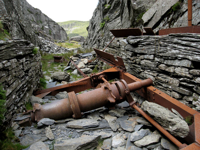Old winch at Wrysgan Slate Quarry