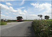 SK2256 : Pointing the way to Aldwark by Neil Theasby