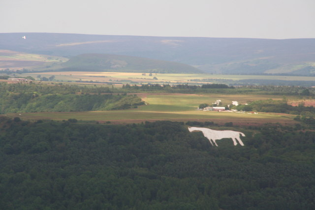 Kilburn White Horse and Yorkshire Gliding Club on Sutton Bank: aerial 2014