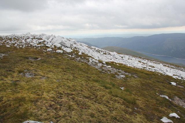 Large quartz outcrop near Sgurr nan Clachan Geala