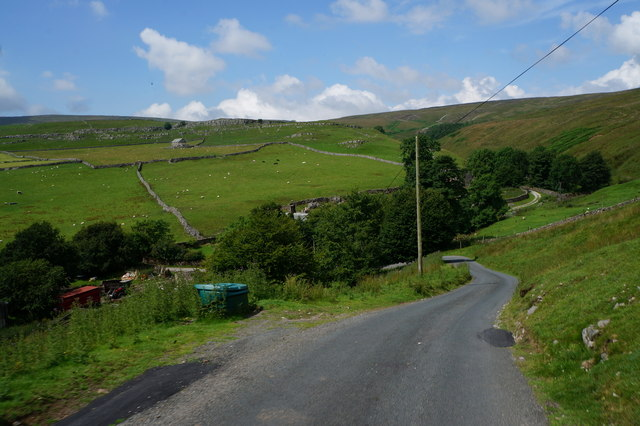 Road down to Darnbrook House
