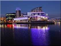 SJ8097 : The Lowry Centre at Salford Quays by Rod Allday