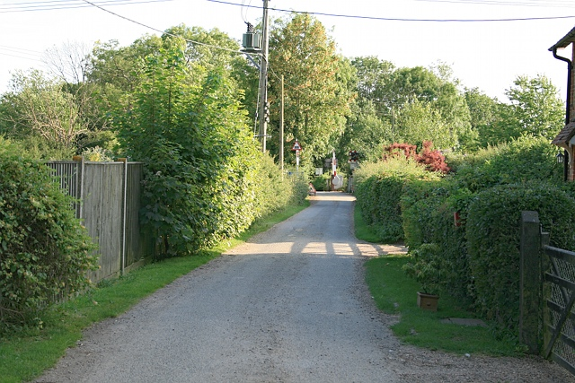 Rectory Lane leading to Buckland level crossing