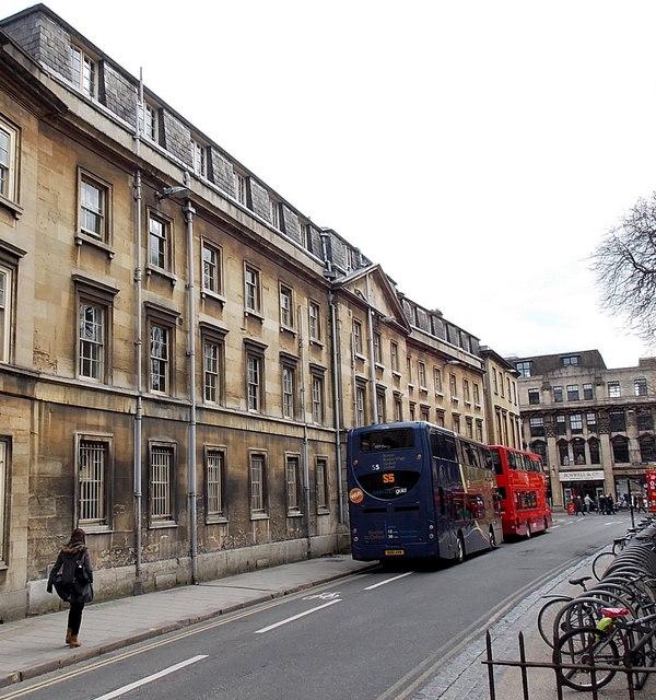 Magdalen Street East buses, Oxford