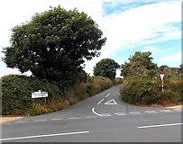 SM7525 : Glasfryn Road, St David's by Jaggery