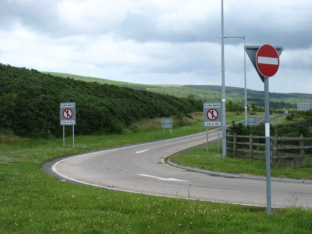 The westbound exit slip at junction 11 of the M8