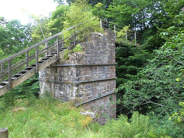 Footbridge over the Barhaugh Burn