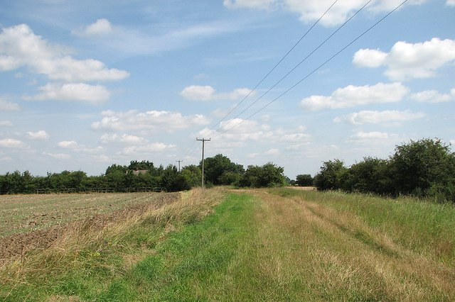 On Akeman Street near Oldfield Farm
