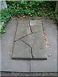 TQ2886 : Karl Marx's grave - the original by John Myers