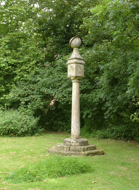 Sundial in Ossington churchyard