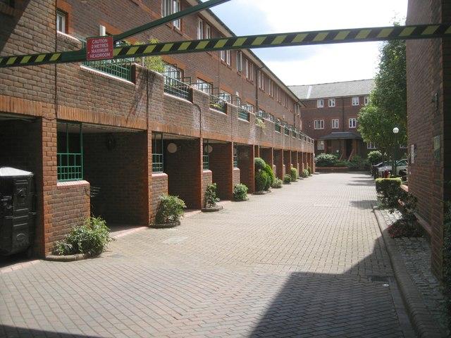 Portman Gate, courtyard off Broadley Terrace