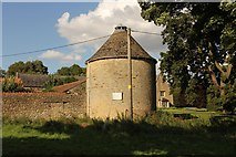 SP9277 : Dovecote at Dairy Farm by Richard Croft