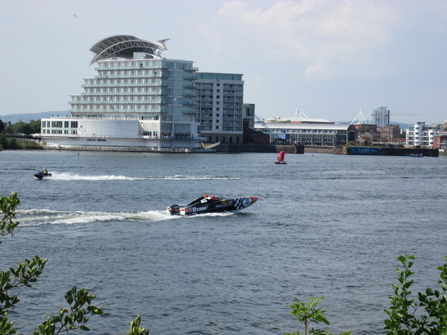 Speed boat racing in Cardiff Bay