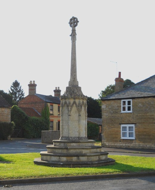 Village cross, Peakirk