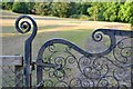 SX8670 : Closure detail, wrought iron gate, Forde House grounds, Torquay Road, Newton Abbot by Robin Stott