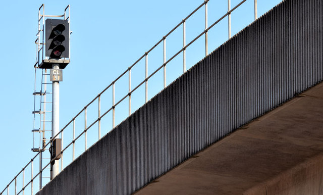 Railway signal, Belfast (August 2014)