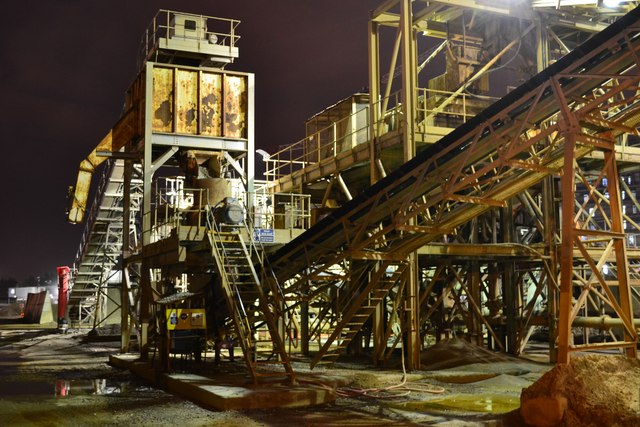 Night view of aggregate conveyors at Angerstein's Wharf