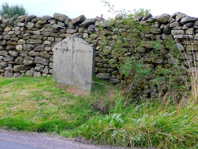 Boundary stone, Austwick / Lawkland