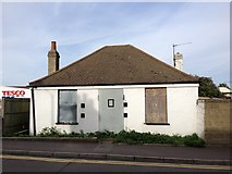 TQ7369 : Derelict bungalow, Charles Street, Strood by Chris Whippet