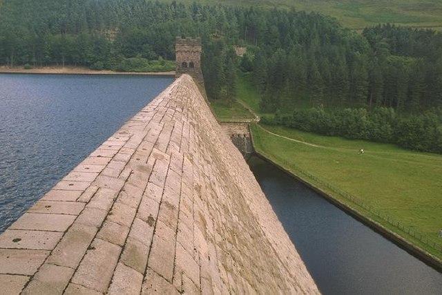 Derwent dam overflow section
